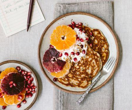 Pancakes mit Orangen und griechischem Joghurt