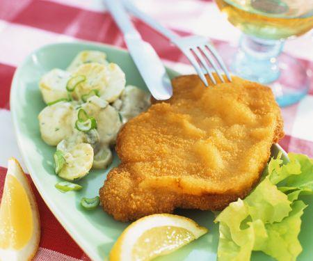 Paniertes Putenschnitzel mit Kartoffelsalat