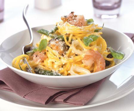 Pasta mit Meeresfrüchten und Parmesan