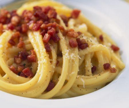 Pasta mit Speck und Eiern