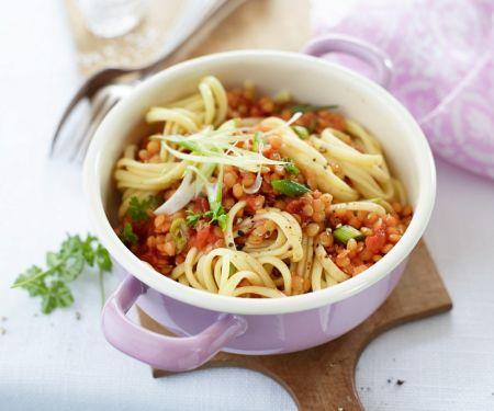 Pasta mit Tomaten-Linsensauce