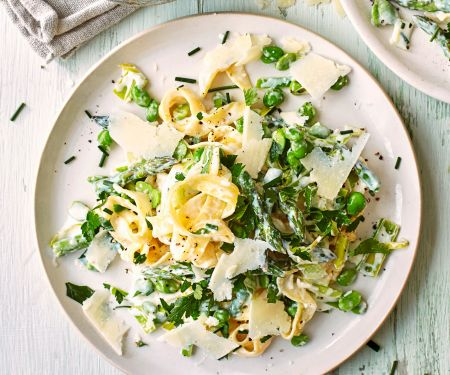 Pasta Primavera mit Parmesan