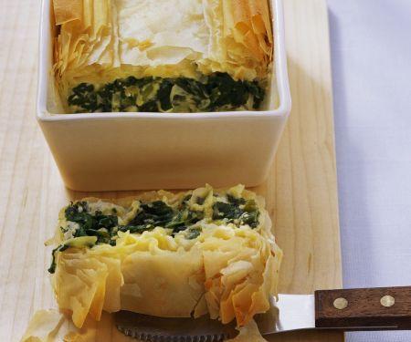 Pastete mit Feta und Spinat auf türkische Art