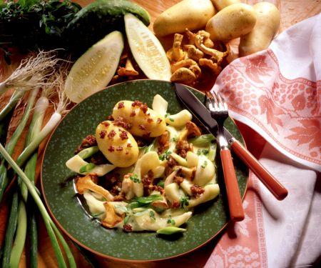 Pellkartoffeln mit Schmorgurken-Pfifferling-Gemüse