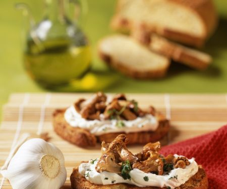 Pfifferling-Crostini Aglio Olio