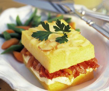 Polenta-Sandwich mit Gemüse und Ricotta