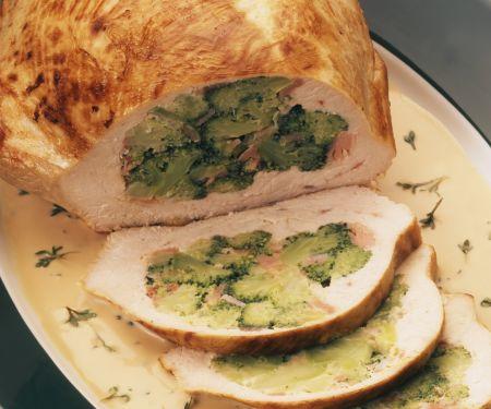 Putenbrust mit Schinken und Broccoli gefüllt