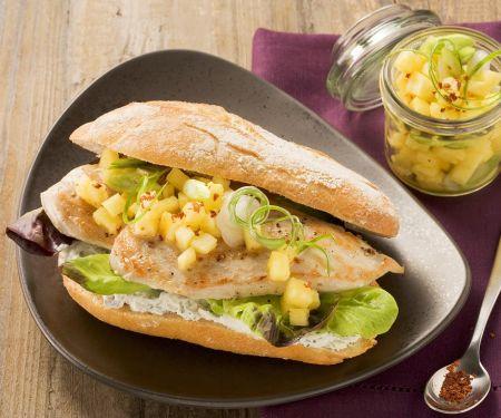 Putensandwiches mit fruchtigem Kartoffelsalat