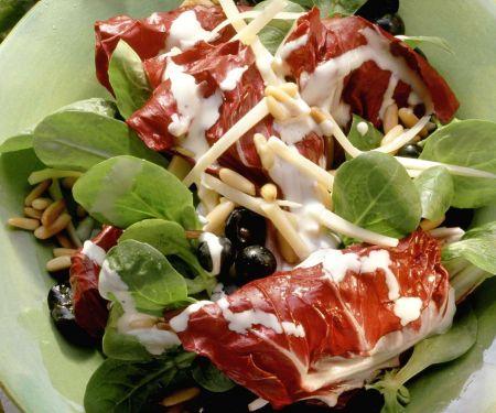 Radicchio mit Käse und Trauben