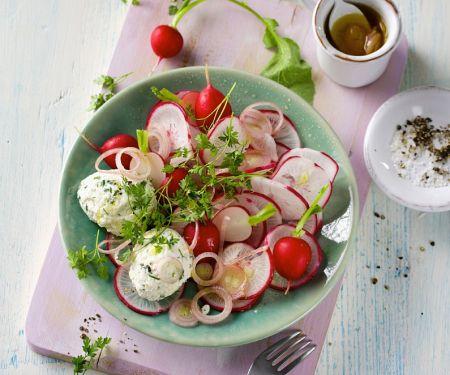 Radieschensalat mit Ricotta-Kräuter-Nocken
