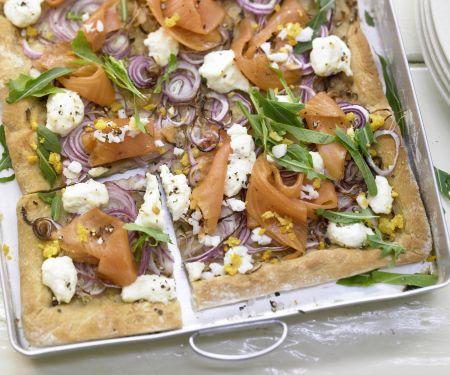 Pizza mit Räucherlachs