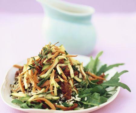 Reis-Gemüse-Salat mit Rucola
