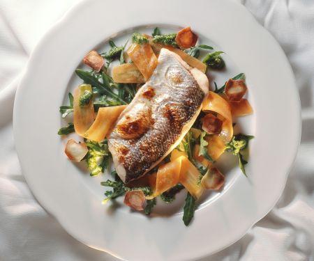 Renke mit Rucola-Karotten-Salat