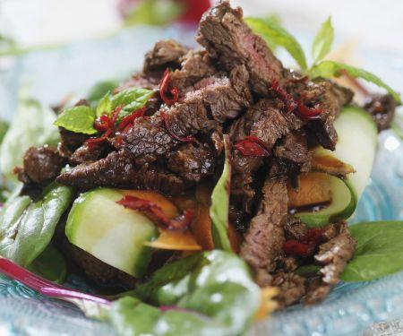 Rinderstreifensalat mit Gemüse