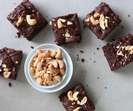 Rohkost-Brownies mit Cashewkernen