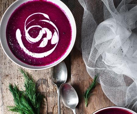 Rote-Bete-Suppe mit Dill