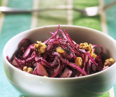Rotkohl-Walnuss-Salat mit Mohn und Sultaninen