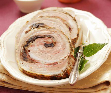 Roulade vom Schweinebauch mit Pilzen gefüllt