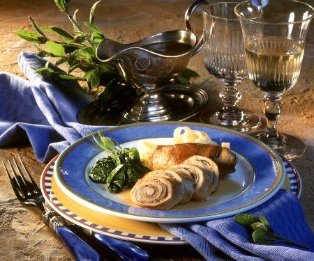 Rouladen mit Schinken-Knobauchfüllung und Spinat