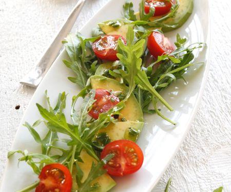 Rucola-Tomatensalat mit Avocado