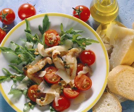 Rucolasalat mit Hähnchenfilet, Cherrytomaten und Parmesan
