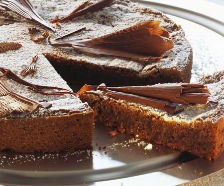 Saftiger Schokoladenkuchen mit Haselnüssen