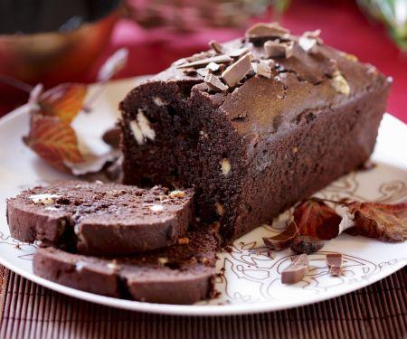 Saftiger Schokoladenkuchen mit Macadamianüssen