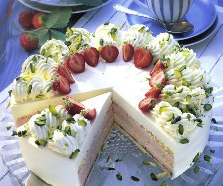 Sahne-Erdbeer-Torte