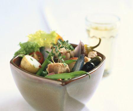 salat mit bohnen tomaten kartoffeln und thunfisch rezept eat smarter. Black Bedroom Furniture Sets. Home Design Ideas