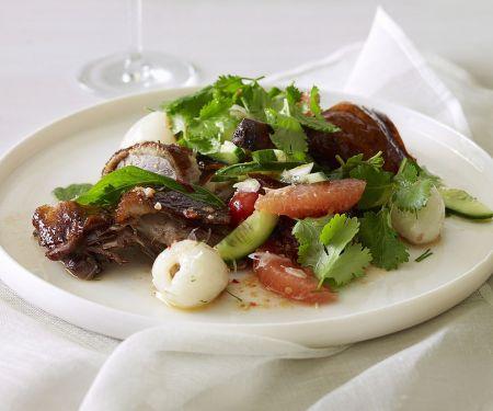 Salat mit Entenbrust, Grapefruit und Lychees