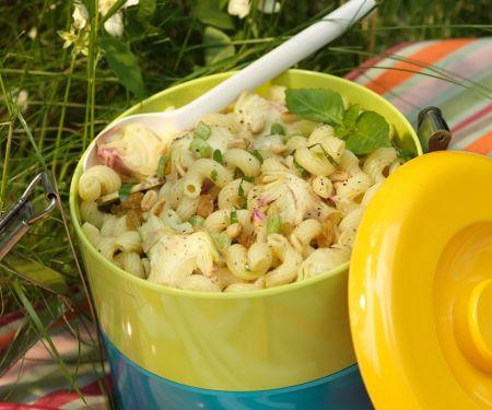 Salat mit Nudeln und Artischocken