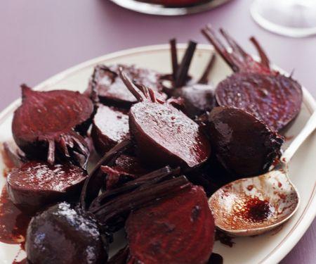 Salat mit Roten Beten mit Orangen-Balsam-Vinaigrette
