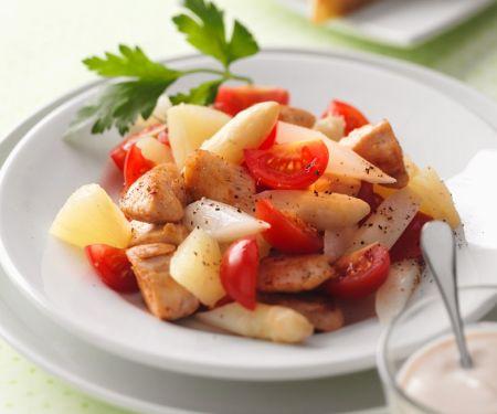 Salat mit Spargel, Pute und Cocktailtomaten