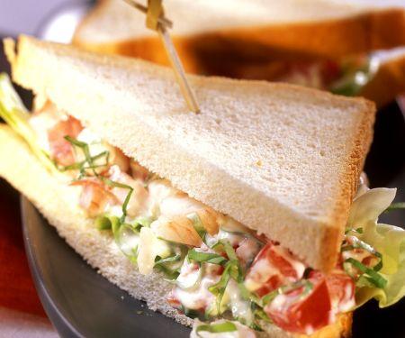 Sandwich mit Garnelensalat