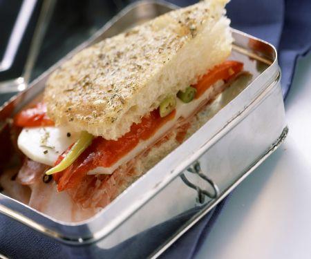 Sandwich mit Paprika und Käse