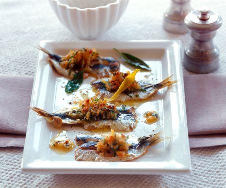 Sardinen mit Pinienkernen und Zitronenschale