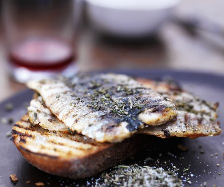 Sardinen vom Grill mit Rosmarin Salz