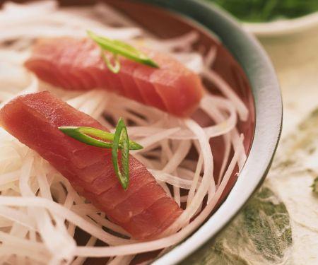 Sashimi mit Thunfisch und Rettich