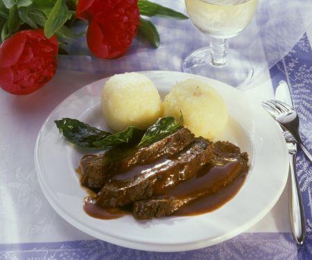 Sauerbraten mit Kartoffelknödeln
