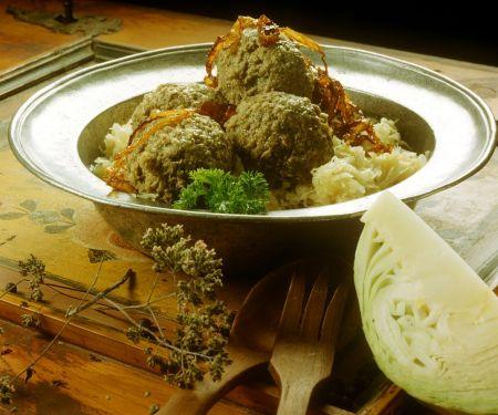Sauerkraut mit Leberknödeln