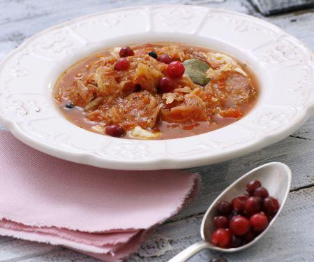Sauerkraut-Tomaten-Suppe mit Cranberries
