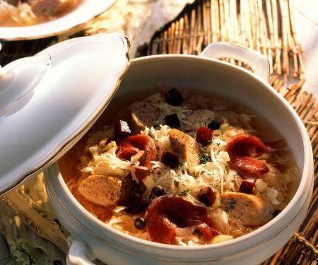 Sauerkraut-Würstchen-Topf mit geräucherter Entenbrust