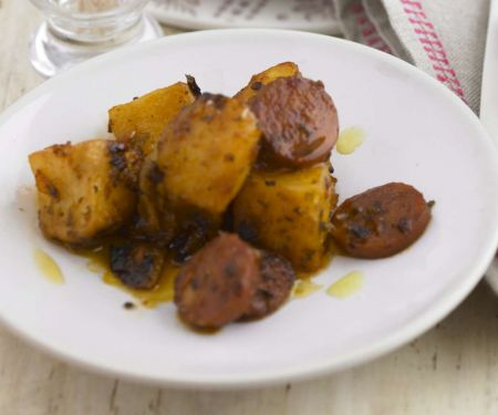 Scharfe Knoblauchwurst-Kartoffeln