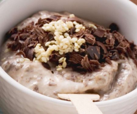 Scharfer Joghurtdip mit Schokolade