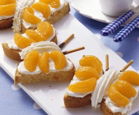 Schmetterlings-Kuchen mit Marzipan und Mandarinen