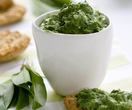 Schnelle Crostini mit Pesto