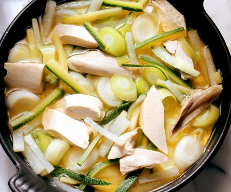 Schnelle Hühnersuppe mit Gemüse