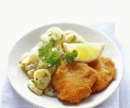 "Schnitzel ""Wiener Art"" mit Kartoffelsalat"
