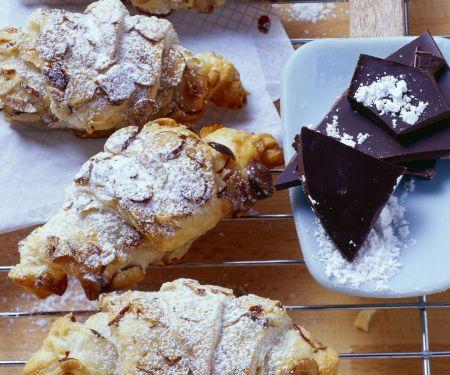 Schoko-Croissants mit Haselnüssen und Ingwer