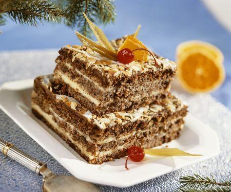 Schoko-Nuss-Torte mit cremiger Vanillefüllung